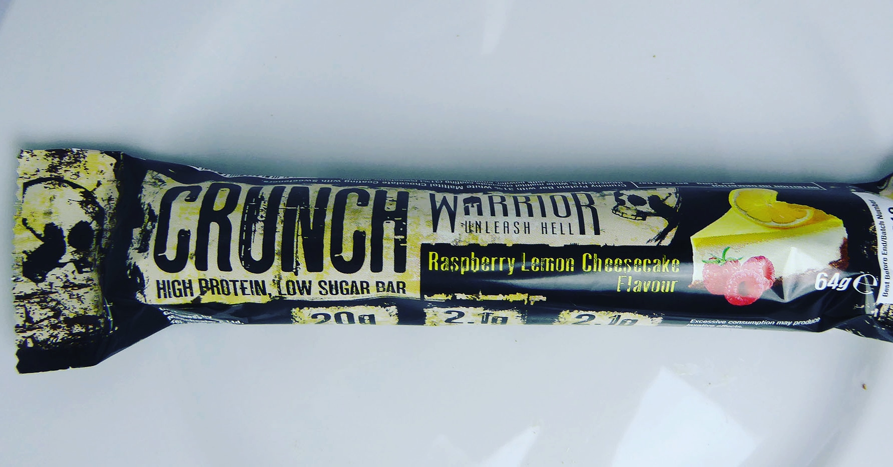 Crunch Warrior Raspberry Lemon Cheesecake Protein Bar Proteinbar Proteinriegel Eiweißriegel